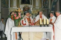 zdj-3.-04.06.1990-Msżę-św.-koncebruja-pod-przewodnictwem-ks.-biskupa-Jóżefa-Pazdura