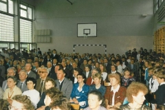 zdj.-3.-04.06.-1990-Uczestnicy-jubileuszowych-uroczystości.