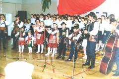 zdj.-5-04.06.1990-Występ-Muzykujacej-Rodziny-Wróblów.