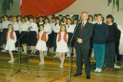 zdj.2.-04.06.1990-Przemawia-Wojwoda-Nowosadecki-Józef-Wiktor.