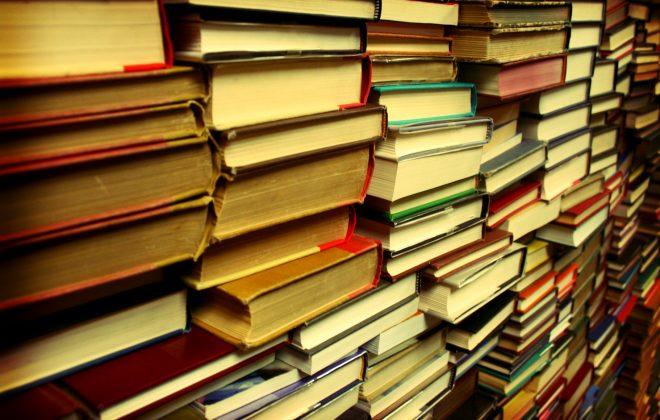 Uwaga! Zwrot książek do biblioteki.