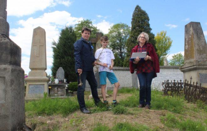 Prace inwentaryzacyjne na łososińskim cmentarzu